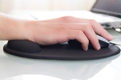 Εργασία στον υπολογιστή Στοκ Φωτογραφία