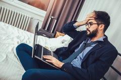 Εργασία στο δωμάτιο ξενοδοχείου Στοκ Εικόνες