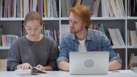 Εργασία συμπαικτών μαζί στην αρχή, επιχειρησιακή ανάθεση φιλμ μικρού μήκους