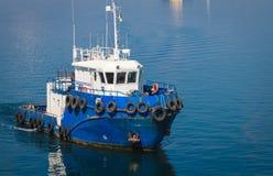 Εργασία του τερματικού εμπορευματοκιβωτίων για τη ναυτιλία των αγαθών στοκ εικόνες