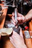 Εργασία Jeweler Στοκ εικόνες με δικαίωμα ελεύθερης χρήσης
