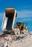 εργασία truck απορρίψεων Στοκ εικόνα με δικαίωμα ελεύθερης χρήσης