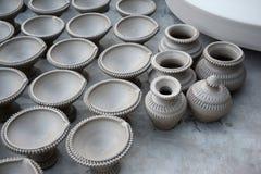 Εργασίες για τις παραδοσιακές ελαιολυχνίες diya σε Bikaner, Ινδία Στοκ φωτογραφία με δικαίωμα ελεύθερης χρήσης