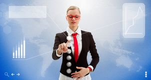 Εργασίες γυναικών με τη διαπροσωπεία του μέλλοντος στοκ εικόνες