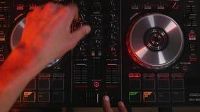 Εργασίες του DJ για τη τοπ άποψη εξοπλισμού Στοκ Εικόνες