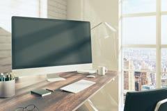 Εργασιακός χώρος με την πλευρά PC Στοκ εικόνες με δικαίωμα ελεύθερης χρήσης