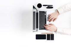 Εργασιακός χώρος στο γραφείο τεχνολογία Στοκ φωτογραφία με δικαίωμα ελεύθερης χρήσης