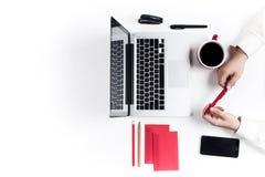 Εργασιακός χώρος στο γραφείο τεχνολογία Στοκ φωτογραφίες με δικαίωμα ελεύθερης χρήσης
