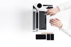 Εργασιακός χώρος στο γραφείο τεχνολογία Στοκ εικόνες με δικαίωμα ελεύθερης χρήσης