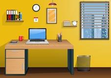 Εργασιακός χώρος στο δωμάτιο με την πόλη άποψης στο παράθυρο Στοκ εικόνα με δικαίωμα ελεύθερης χρήσης