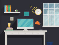 Εργασιακός χώρος στο επίπεδο ύφος με τον υπολογιστή και τη μακριά σκιά Στοκ Φωτογραφία