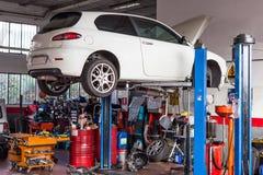 Εργαστήριο αυτοκινήτων Στοκ εικόνες με δικαίωμα ελεύθερης χρήσης