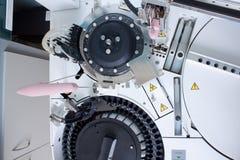 Εργαστήριο που αναλύει τον εξοπλισμό Στοκ φωτογραφία με δικαίωμα ελεύθερης χρήσης