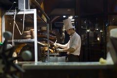 Εργαστήριο σοκολάτας Lviv Σοκολάτα Confectionerpouring Στοκ φωτογραφία με δικαίωμα ελεύθερης χρήσης