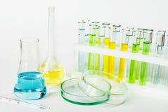 Εργαστηριακά γυαλικά στοκ εικόνες με δικαίωμα ελεύθερης χρήσης