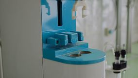 Εργαστηριακή συσκευή για τα μειωμένα σιτάρια αξίας αριθμού του σίτου, σίκαλη, αλεύρι απόθεμα βίντεο
