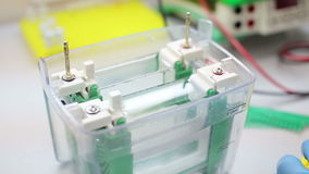 Εργαστηριακός εργασιακός χώρος για τη δοκιμή DNA απόθεμα βίντεο