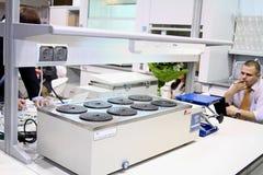 εργαστηριακό ύδωρ εξοπλισμού λουτρών Στοκ φωτογραφία με δικαίωμα ελεύθερης χρήσης