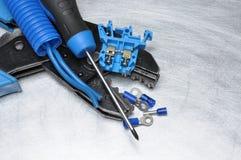 Εργαλεία για τον ηλεκτρολόγο στην επιφάνεια μετάλλων με τη θέση για το κείμενο Στοκ Φωτογραφία
