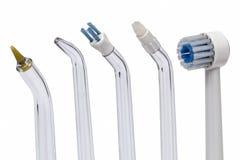Εργαλεία για τον οδοντικό καθαρισμό, που απομονώνεται στο άσπρο υπόβαθρο στοκ φωτογραφία