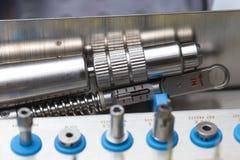Εργαλεία για το οδοντικό σύνολο κιβωτίων τρυπανιών prosthetist στοκ εικόνες