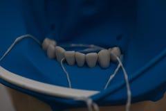 Εργαλεία για το οδοντικό σύνολο κιβωτίων τρυπανιών prosthetist στοκ εικόνες με δικαίωμα ελεύθερης χρήσης