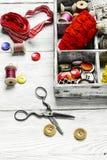 Εργαλεία για το ράψιμο και τη ραπτική Στοκ Εικόνα