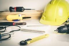 Εργαλεία επισκευής εργατών οικοδομών Στοκ εικόνα με δικαίωμα ελεύθερης χρήσης