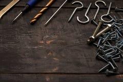 Εργαλεία επισκευής στον πίνακα Στοκ Εικόνες