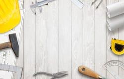 Εργαλεία εργαζομένων στο εργοτάξιο οικοδομής Στοκ Εικόνες