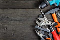 Εργαλεία εργασίας στο δάσος στοκ εικόνες με δικαίωμα ελεύθερης χρήσης