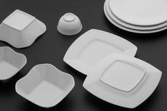 Εργαλεία κουζινών και εστιατορίων, πιάτα Στοκ εικόνα με δικαίωμα ελεύθερης χρήσης