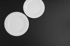 Εργαλεία κουζινών και εστιατορίων, πιάτα Στοκ Φωτογραφία