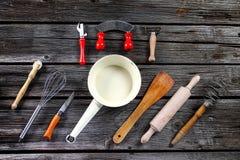 Εργαλεία κουζινών - μαγειρεύοντας προμήθειες Στοκ Φωτογραφίες