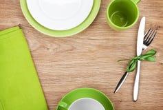 Εργαλεία κουζινών πέρα από τον ξύλινο πίνακα Στοκ Φωτογραφία