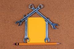 Εργαλεία μηχανικών, εργαλεία γαλλικών κλειδιών με μορφή ενός σπιτιού Στοκ Εικόνα