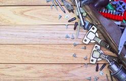 Εργαλεία ξυλουργικής και εξαρτήματα επίπλων Στοκ φωτογραφία με δικαίωμα ελεύθερης χρήσης
