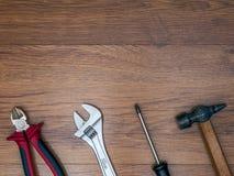 Εργαλεία στο πάτωμα Στοκ φωτογραφία με δικαίωμα ελεύθερης χρήσης