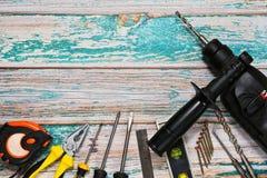 Εργαλεία χεριών και μηχανή διατρήσεων - τοπ άποψη Στοκ Φωτογραφία
