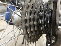 Εργαλείο ποδηλάτων βρώμικο με την αλυσίδα του Στοκ Φωτογραφίες