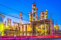 Εργοστάσια στο λυκόφως στοκ εικόνες