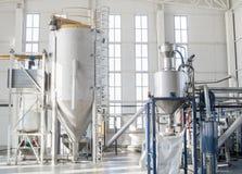 Εργοστάσιο για την παραγωγή των πλαστικών κόκκων κατοικίδιων ζώων εγκαταστάσεις της PET Στοκ Φωτογραφία