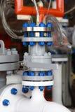 Εργοστάσιο επεξεργασίας πετρελαίου και φυσικού αερίου με τις βαλβίδες Στοκ φωτογραφία με δικαίωμα ελεύθερης χρήσης