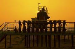 Εργοστάσιο επεξεργασίας πετρελαίου και φυσικού αερίου Στοκ φωτογραφία με δικαίωμα ελεύθερης χρήσης