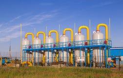 Εργοστάσιο επεξεργασίας πετρελαίου και φυσικού αερίου Στοκ εικόνες με δικαίωμα ελεύθερης χρήσης