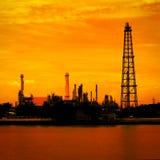 Εργοστάσιο διυλιστηρίων πετρελαίου Στοκ Εικόνα