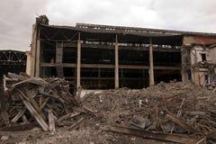 Εργοστάσιο κατά τη διάρκεια της κατεδάφισης Στοκ εικόνα με δικαίωμα ελεύθερης χρήσης