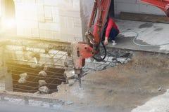 Εργοτάξιο οικοδομής με την περιοχή εργασίας, βιομηχανική κατασκευή Στοκ εικόνα με δικαίωμα ελεύθερης χρήσης