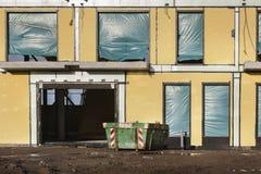 Εργοτάξιο οικοδομής με τον εκσκαφέα Στοκ Φωτογραφία