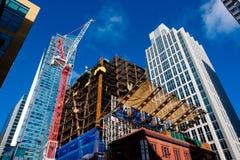 Εργοτάξιο οικοδομής πολυόροφων κτιρίων στο κέντρο της πόλης Στοκ Εικόνα